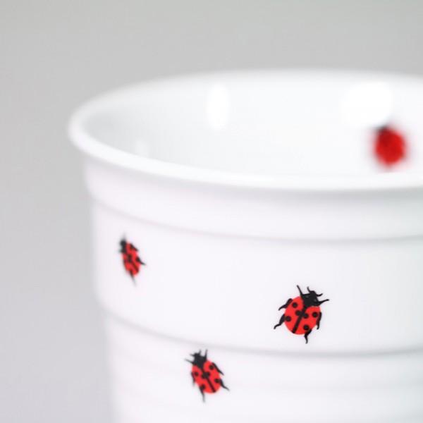 Becher Tasse - Pappbecher aus Porzellan mit Marienkäfer-Aufdruck